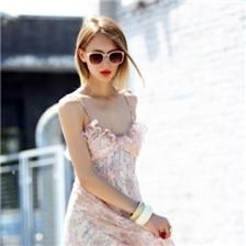欧美女生时尚街拍图片