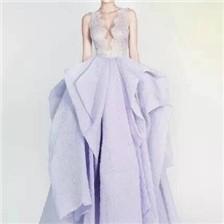 样式新颖的新娘婚纱图片大全