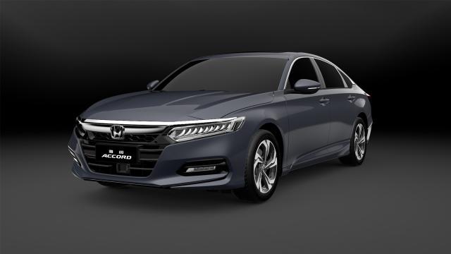 广汽Honda第十代雅阁冰河银