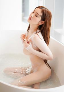 风骚嫩模沈梦瑶透视装浴室湿身顶级人体艺术写真