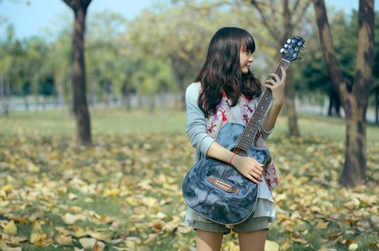 吉他女生非主流意境图片