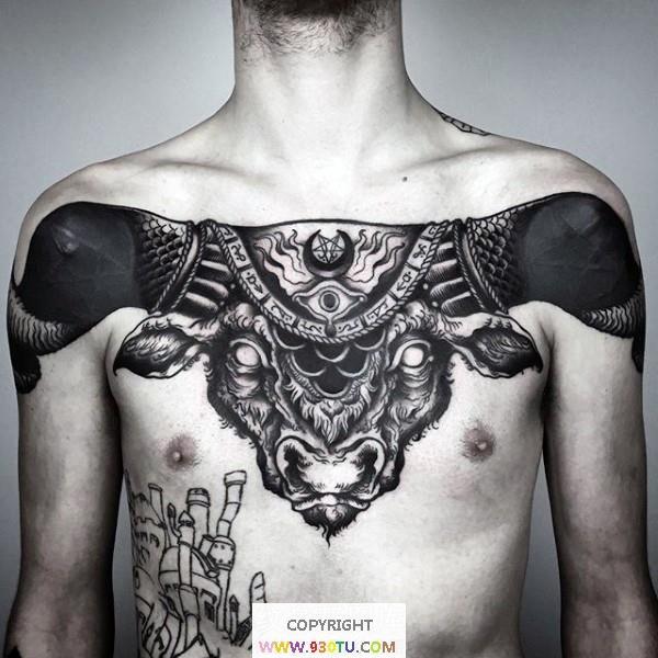 胸部神秘风格恶魔公牛头纹身(文身)图案