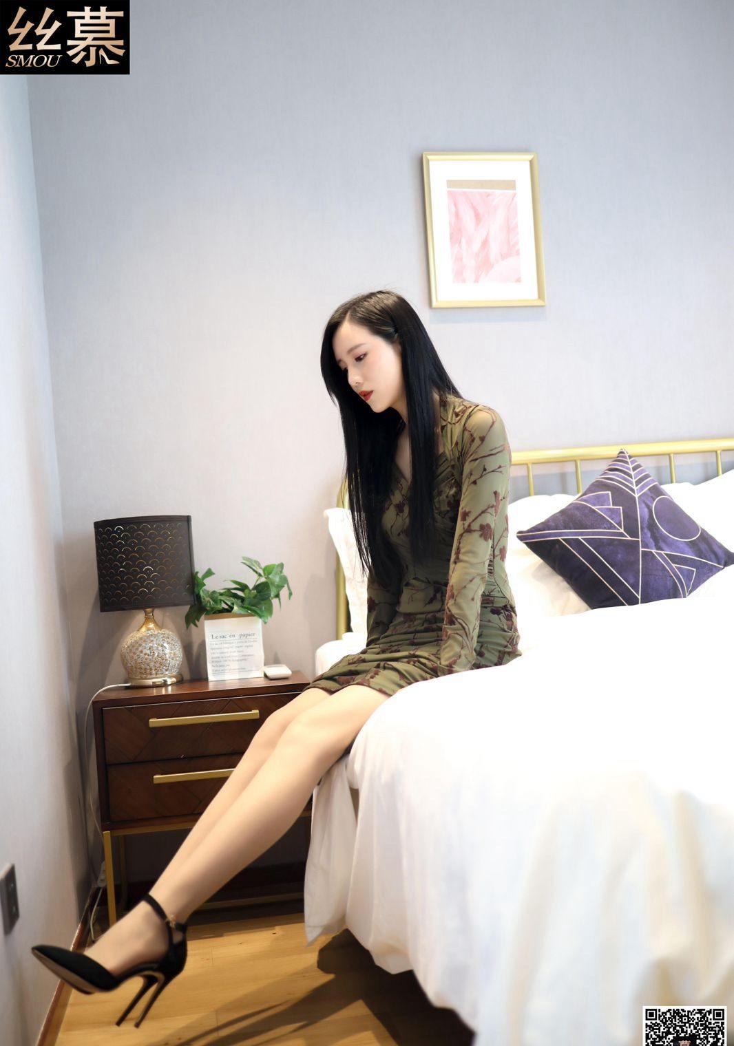 可爱美女专业腿模展示肉丝袜完美性感美腿玉足高清图